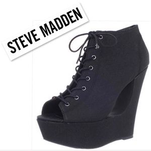 Steve Madden Black Lace up Wedge Platform Boot 9.5